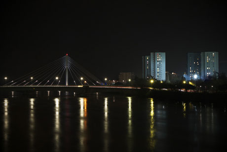 un-pont-de-nantes-la-nuit